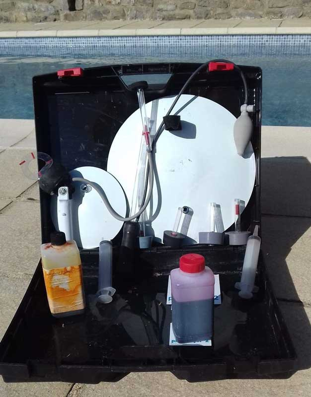 matériel de recherche de fuites piscine